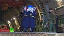 La dépouille du pilote russe tué par les rebelles syriens est arrivée à Moscou