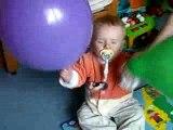 Nathan 13 mois et les ballons