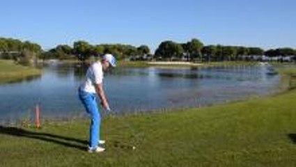 Water Skim Shot Golf Challenge