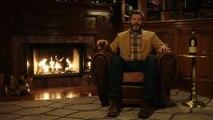 Regarder un gars boire du Whisky pendant 45 min... WTF?? Nick Offerman's 'Yule Log'