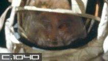 """Foto de la NASA muestra a un astronauta del Apolo en la Luna con un rostro """"no humano"""""""