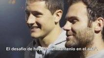 Jongler avec deux ballons pendant 30 secondes: Mata et Herrera relèvent le défi !