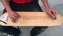 Impressionnant, un gars transforme son skateboard en guitare électrique