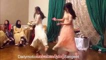 Wedding Dance Desi Girl Private Dance on Manwa Lagey Song  HD