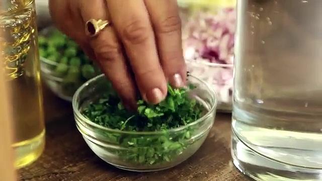 Watana Batata Bhaji – Indian Recipe by Archana – Aloo Matar – Easy Main Course in Marathi