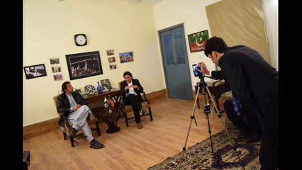 Watch How Simply They Arranged Such a Huge Live Session With Imran Khan On Facebook