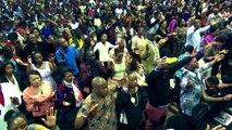 """Falso profeta Shepherd Bushiri engaña a sus seguidores con """"ángeles"""""""