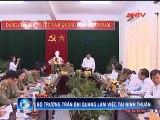 Đại tướng Trần Đại Quang đã tặng quà cho các gia đình chính sách, hộ nghèo trong tỉnh Ninh Thuận