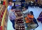 A very clever women thief