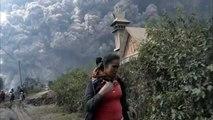 Endonezyada yanardağ patladı 11 ölü