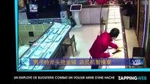 Un courageux employé de bijouterie combat et neutralise un voleur armé d'une hache