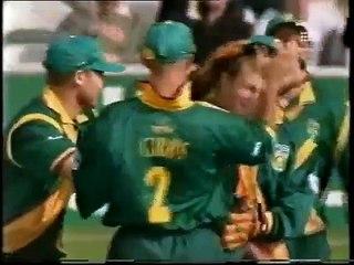 watch Jonty Rhodes Best miracle cricket catches