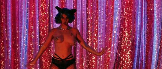 """curta doc """"Yes nós temos Burlesco"""" (Fabiano Cafure, Rio de Janeiro, 2015)"""