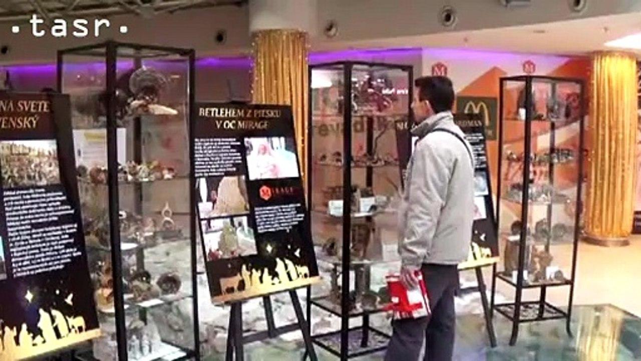Výstava betlehemov v obchodnom centre