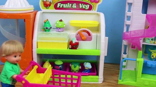 Frozen Disney Elsa and Shopkins with Frozen Kids Alex Shopping Cleans Barbie Bathroom for Shopkins