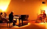 Jean-Michel Albertucci piano; Alexandre Ambroziak batterie; Jean-Michel Prévot, batterie. Nancy-Lillebonne 19/12/2015.