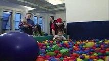 Aire de Jeux intérieure Fun | Piscine à balles, à la Gymboree | Jouer avec BabyFirst