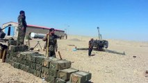 Baiji: Iraqi Popular Mobilization 122 mm howitzers D-30 (2A18) in action against ISIS posi
