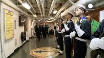 Fransa Cumhurbaşkanı Hollande Akdenizdeki savaş gemisini ziyaret etti