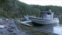 Ce bateau rampe tout seul sur le bord de la plage... Hi tech