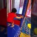 Aire de Jeux couverte de Plaisir en Famille Aire de Jeu pour les enfants Géant gonflable Diapositives, les Enfants Jouent Cent