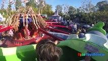 DisneyLand Voyage de Plaisir en Famille le Parc dAttractions pour Enfants Disney Attractions Ryan ToysReview