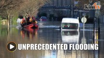 Britain sends in more troops as historic city floods
