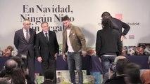 Los jugadores del Real Madrid reparten regalos entre los niños más desfavorecidos