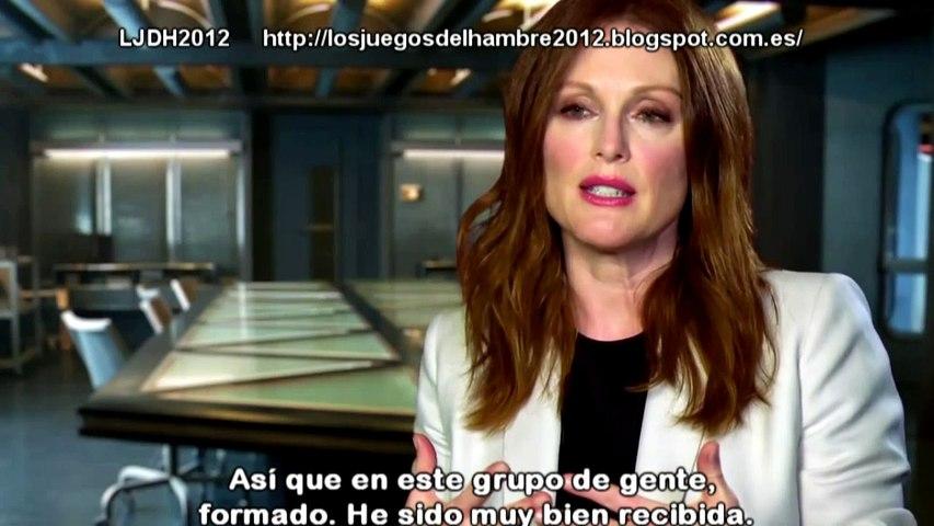 The Hunger Games Mockingjay Part 1 - Julianne Moore Entrevista 2014 Subtitulado Español