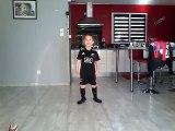 Un garçon de 6 ans réalise le haka pour son idole Dan Carter