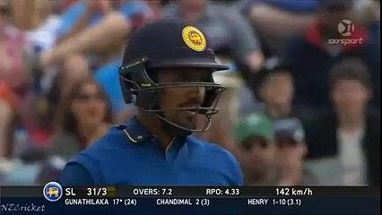 MitcheMitchell Santner's great catch to dismiss Danushka Gunathilaka - NZ vs SL 2nd ODI 2015