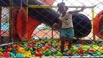 Aire de jeux de Jeu Amusant pour les Enfants, centre de jeux de balle de laire de jeux avec des boules de la salle de jeux