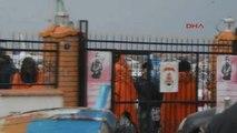 İzmir Kaçak Göçmenler Bu Kez de Soğukla Mücadele Etti