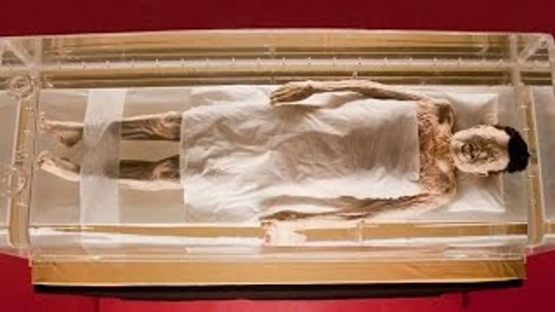 The 2,000 Year-Old Mummified Body of Lady Xin Zhui HD - Archaeology Documentary