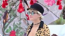Rita Ora SIZZLES In TINY BIKINI _ BIKINI Babes _ Lehren Hollywood