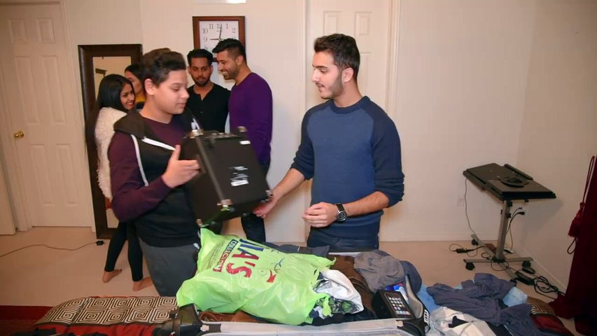 Shahveer Jafry - Your khandaan when you're packing your bag to go abroad...