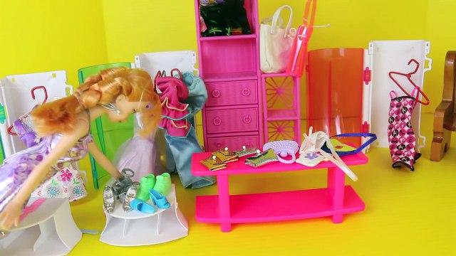 Frozen Elsa and Anna Clothes Shopping Parody Disney Frozen Barbie Dolls Dress Ups DisneyCa