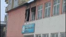 PKK'lı Teröristler Okulu Ateşe Verdi
