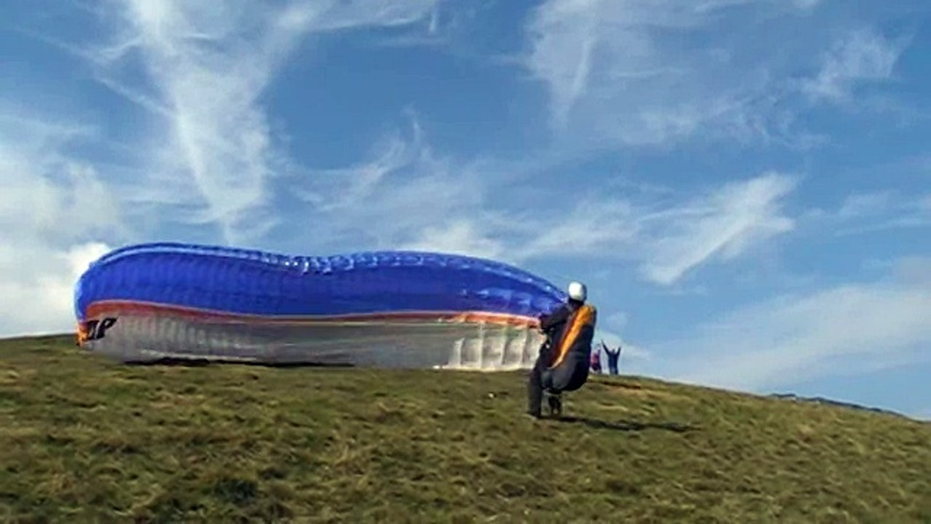 Dù lượn Paragliding Landing