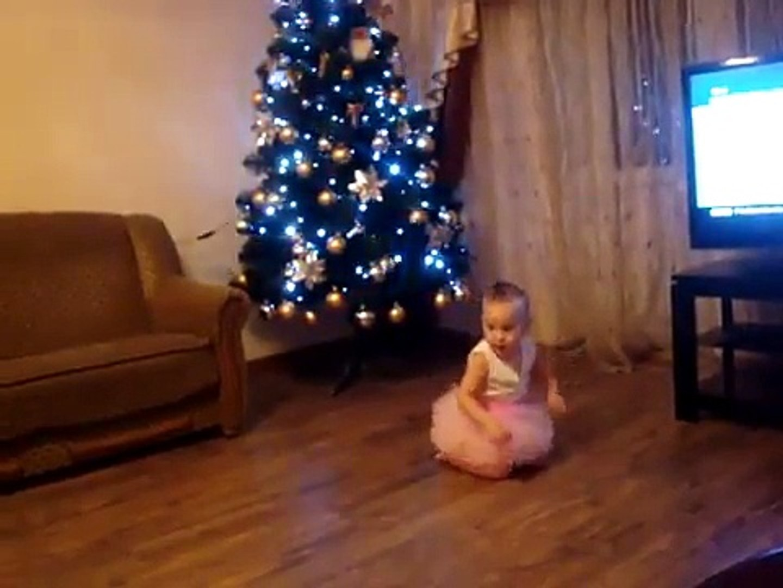 Дети танцуют 1.7 г