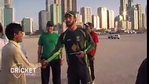 Maxwell playing with his fans in UAE..!! Maxwell gives UAE locals a thrill