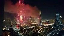 Dubai, pero el Fuego la Víspera de año Nuevo de la cuenta Regresiva de los Fuegos artificiales que pasa