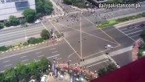 Jakarta: une bombe a explosé dans le centre de la ville indonésienne.