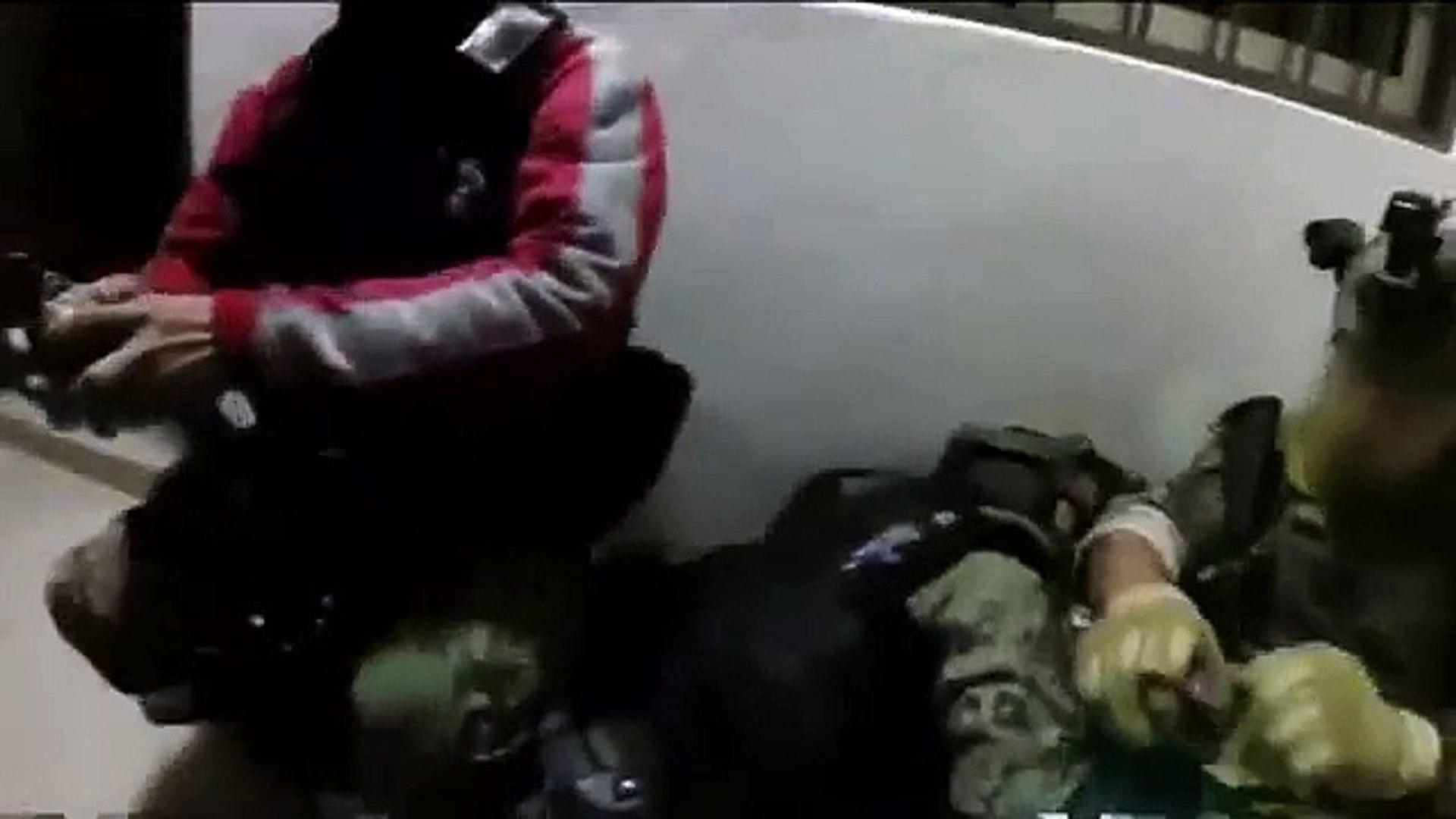 El Chapo Guzman: Dramatic footage shows moment drug lord was captured - BBC News (News World)