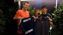 Australie - Berdych reçoit le maillot du Melbourne Victory