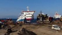 Faire échouer un bateau de croisière sur la plage pour le détruire