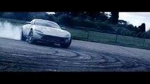 Aston Martin DB10 en movimiento