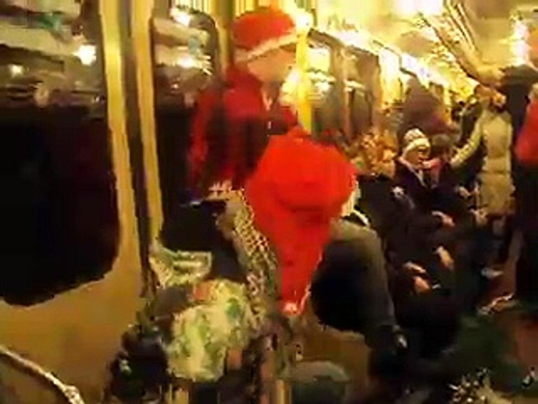 vMetro - «Три белых коня» (фрагмент) (в вагоне метро, конец декабря 2011)