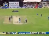 Brilliant Run Out by MS Dhoni to dismiss Collingwood - Dhoni aims single Stump with Golves.. Rare cricket video