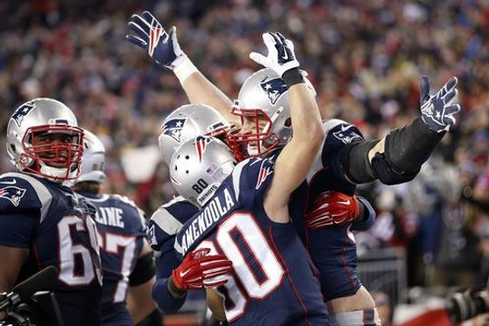 Patriots fend off Chiefs to reach AFC championship game